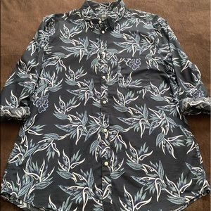 Men's H&M blue floral longsleeve button tee